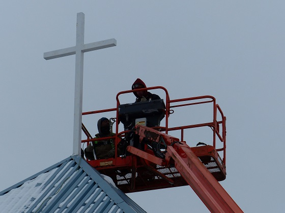 Installation of New Cross to Light Up Neighbourhood at Mount Olive Lutheran Church - Regina SK - Image 3