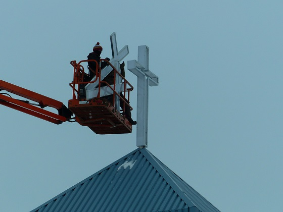 Installation of New Cross to Light Up Neighbourhood at Mount Olive Lutheran Church - Regina SK - Image 5