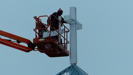 Installation of New Cross to Light Up Neighbourhood at Mount Olive Lutheran Church - Regina SK - Image 6