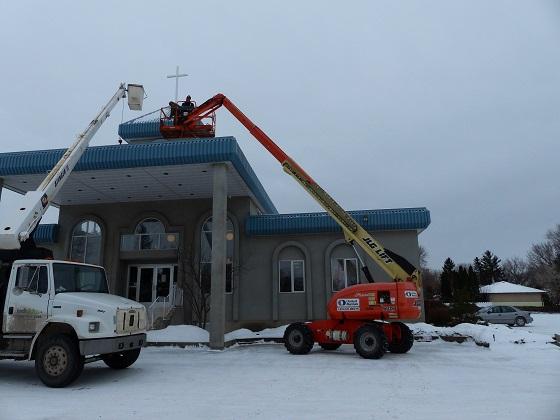 Installation of New Cross to Light Up Neighbourhood at Mount Olive Lutheran Church - Regina SK - Image 2
