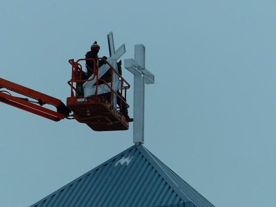 Installation of New Cross to Light Up Neighbourhood at Mount Olive Lutheran Church - Regina SK - Image 5