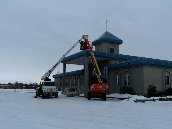 Installation of New Cross to Light Up Neighbourhood at Mount Olive Lutheran Church - Regina SK - Image 7