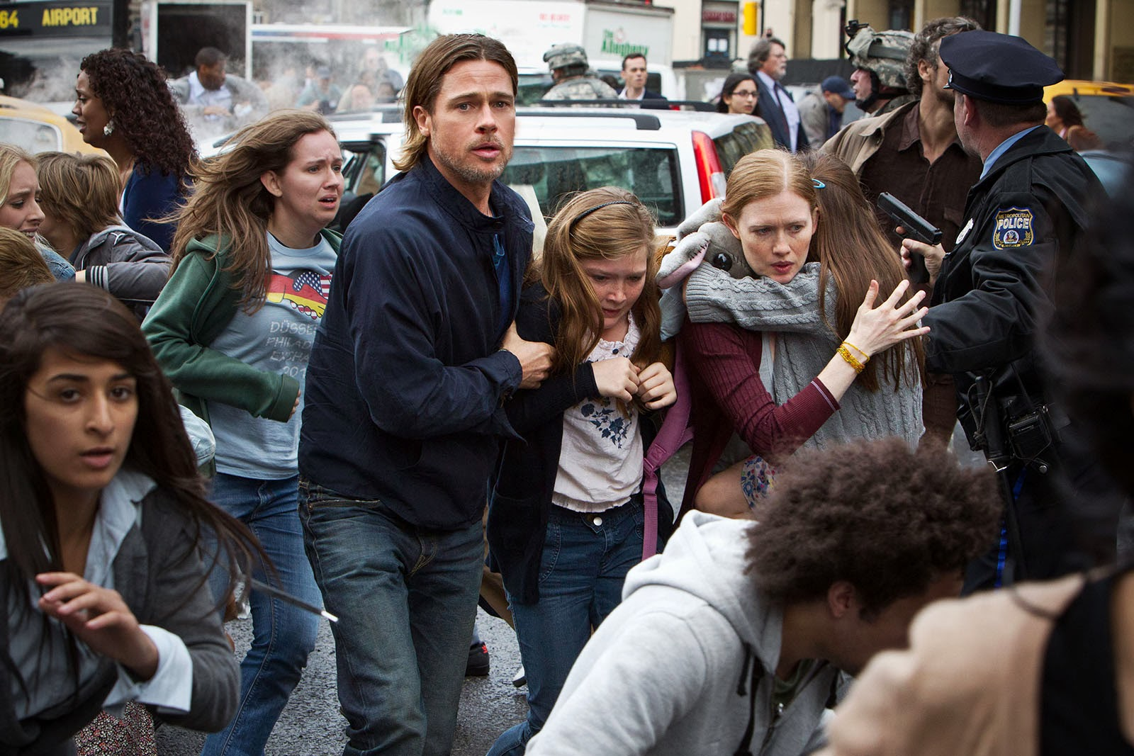 World War Z (2013) Directed by Marc Forster - Movie Review - Image 6