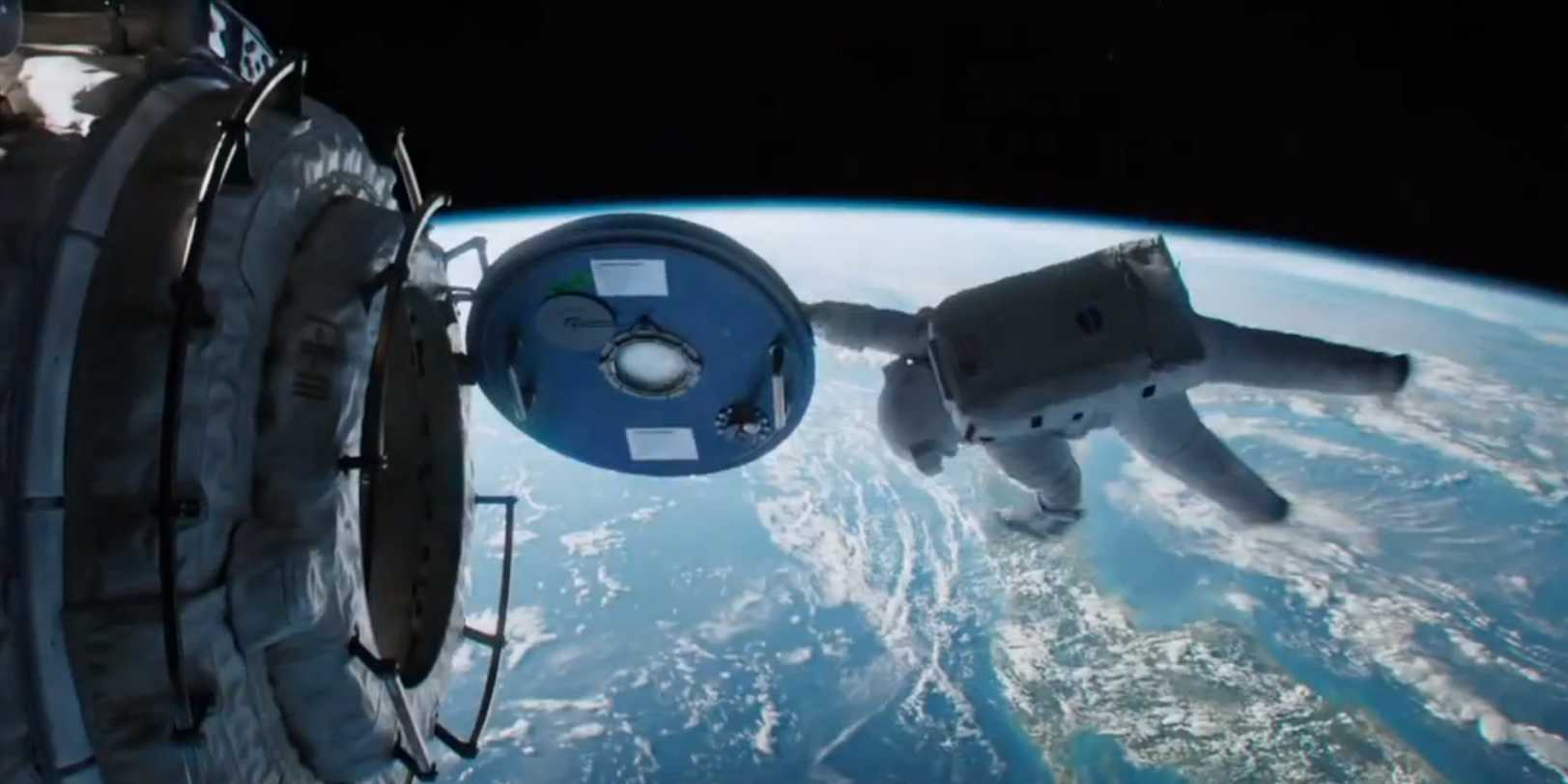 Gravity 2013 Directed By Alfonso Cuaron Movie Review